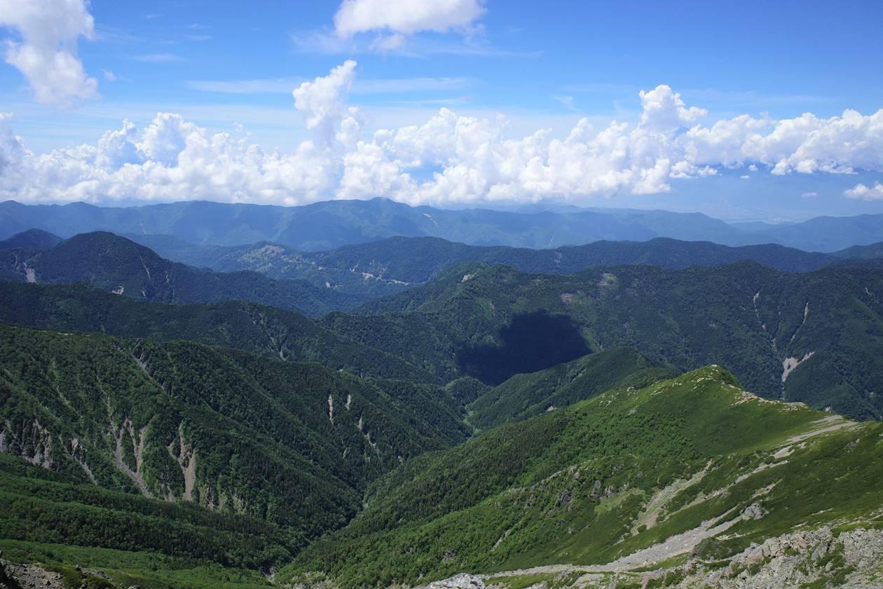 北岳から眺める中央アルプス方面