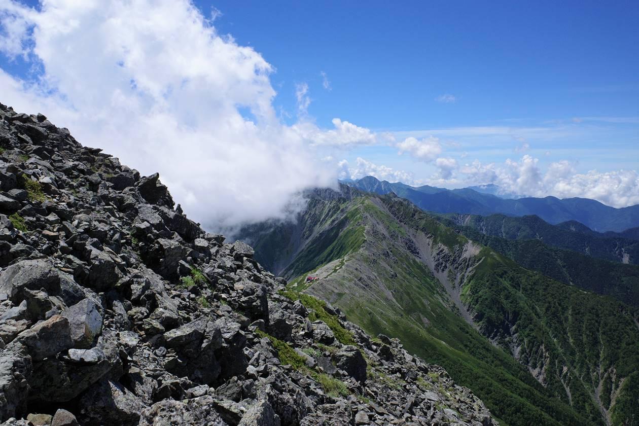 北岳から間ノ岳への稜線