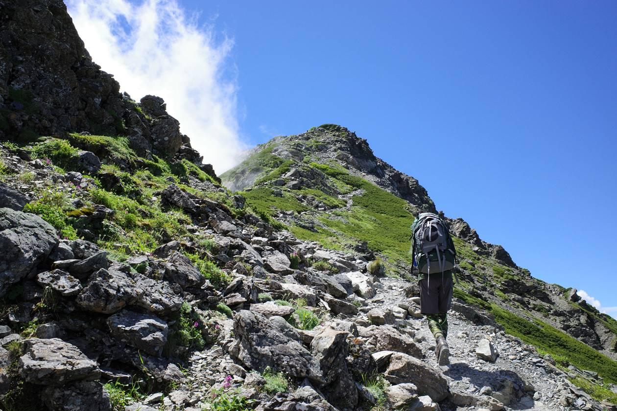 肩の小屋から北岳山頂へ