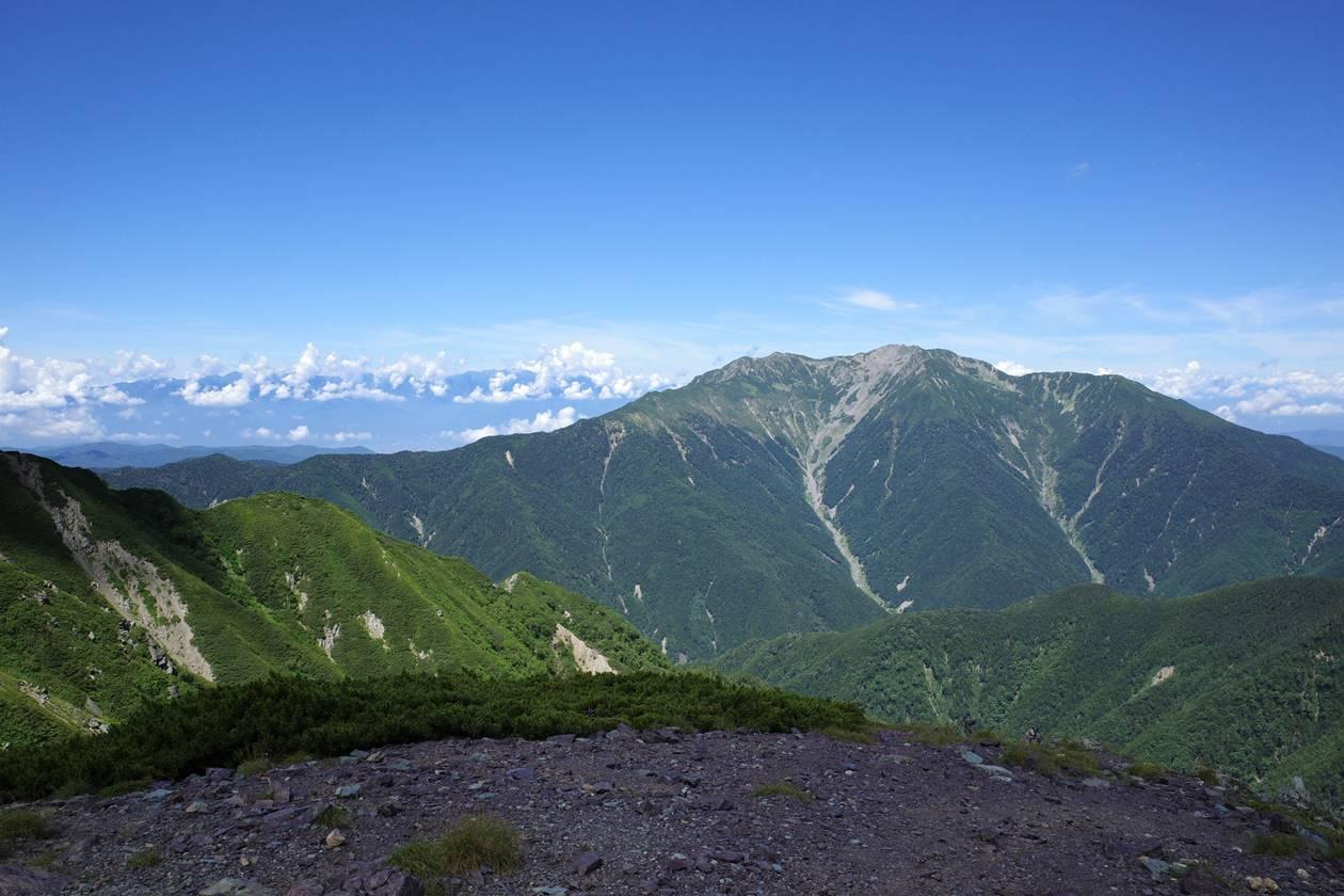 仙丈ヶ岳と中央アルプス