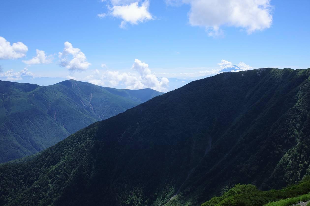 北岳登山道から眺める富士山