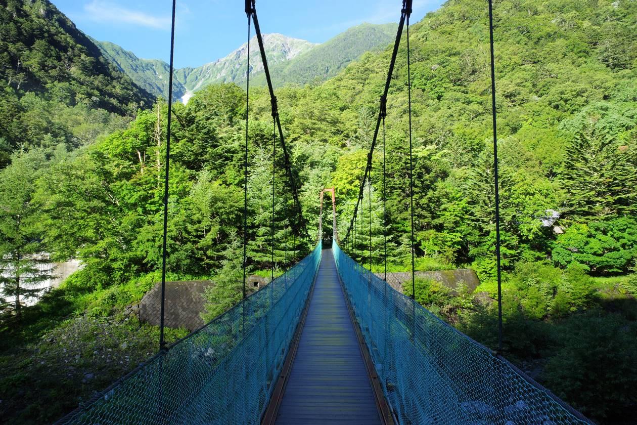 北岳登山入り口のつり橋