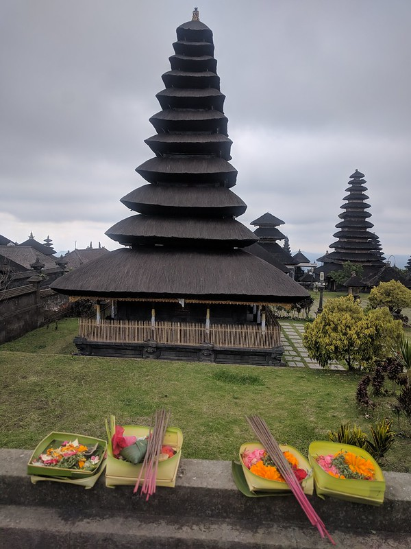 Ofrendas en Besakih :  The biggest temple in Bali located at Slope of Mount Agung