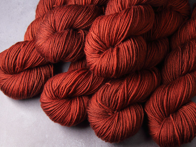 Dynamite DK – Pure British Wool superwash hand dyed yarn 100g – 'Bracken'