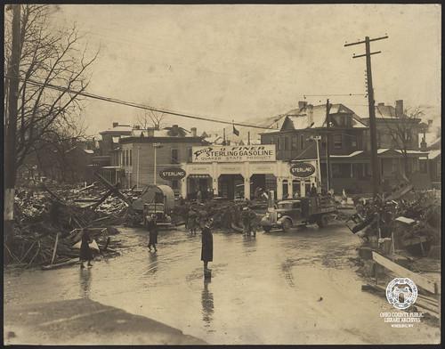 wheelingwv wheeling wheelingisland floods flood 1936flood floodof1936 virginiastreet zanestreet frontstreet southfrontstreet sterlinggasoline quakerstate gasstation