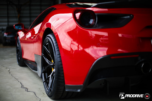 Ferrari 488 GTB - Series 21 - S21-01 - © Vossen Wheels 2019 - 487