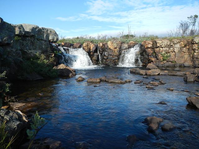 A small twin waterfall