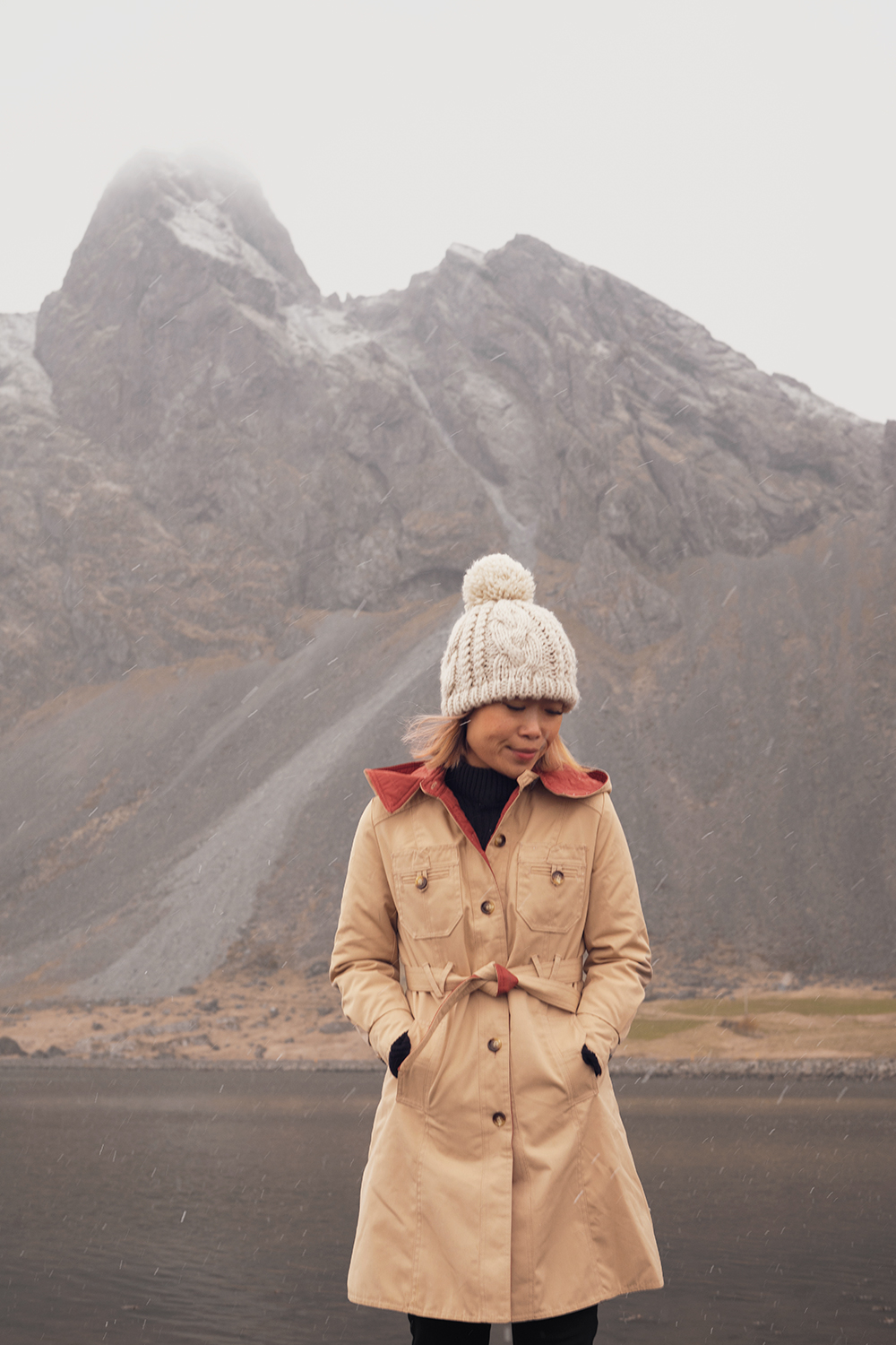 02iceland-hvalnes-hornymountains-travel-style-ootd