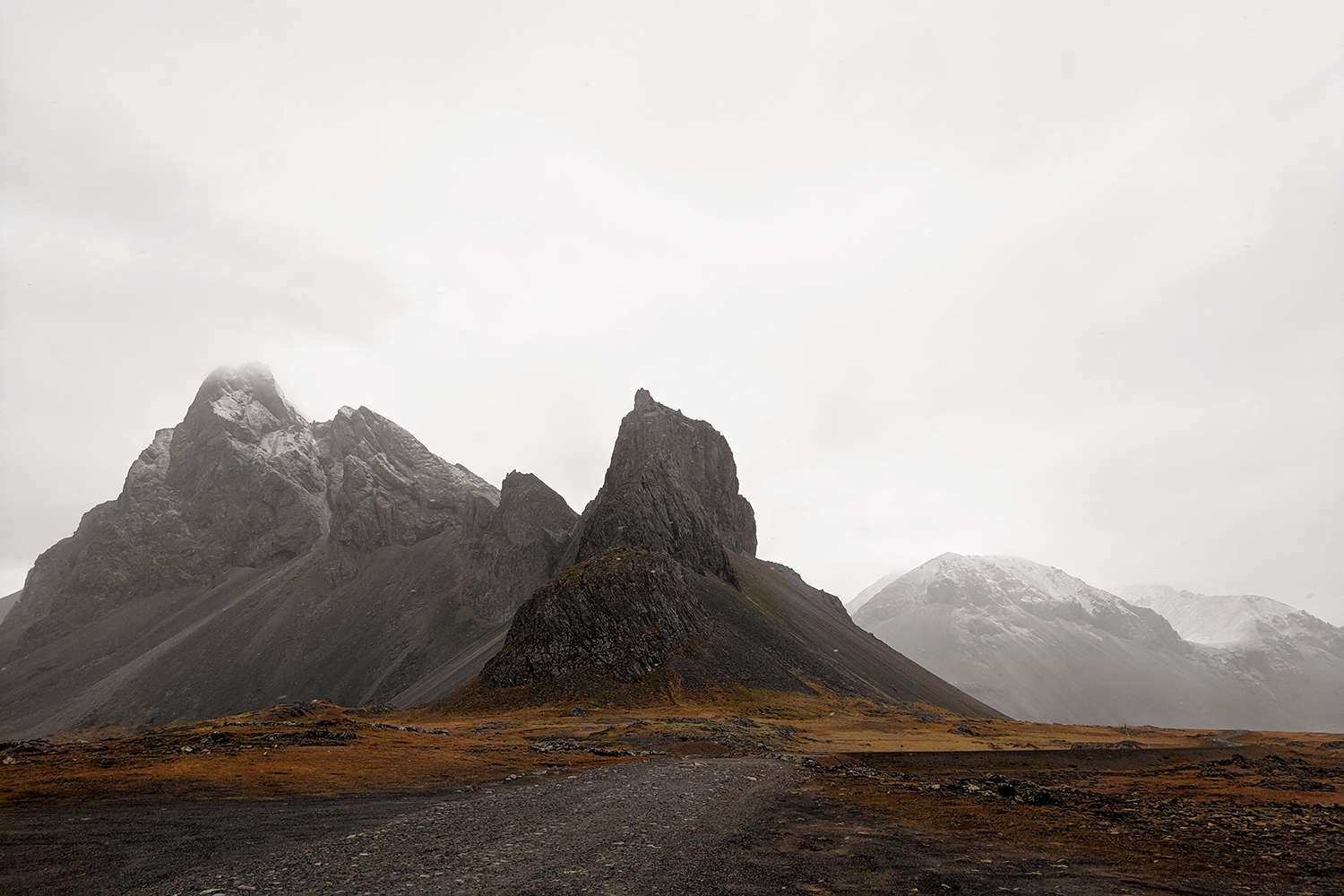 01iceland-hvalnes-hornymountains-travel