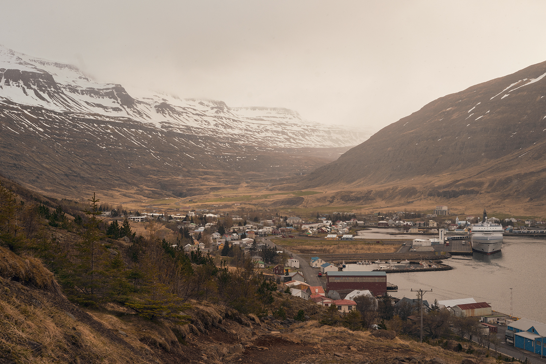 33iceland-seydisfjordur-travel-landscape