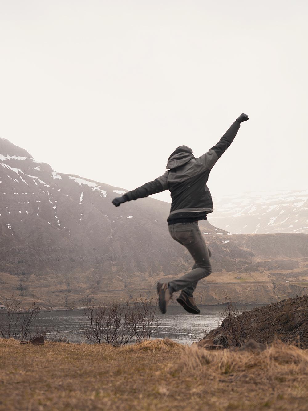 29iceland-seydisfjordur-tvisongur-soundsculpture-travel