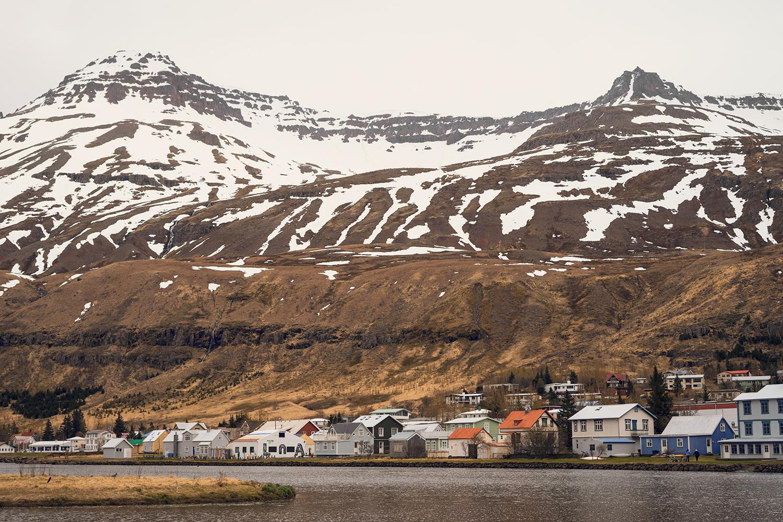 19iceland-seydisfjordur-travel-landscape