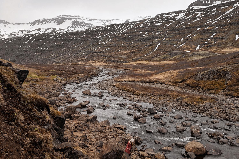 18iceland-gufufoss-waterfall-seydisfjordur-travel-ootd