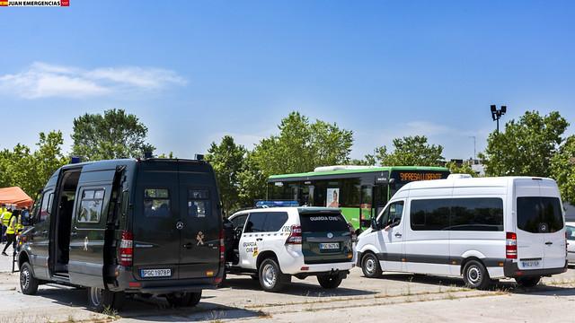 Mercedes Sprinter y Toyota Land Cruiser. Guardia Civil (GRS y MEI)