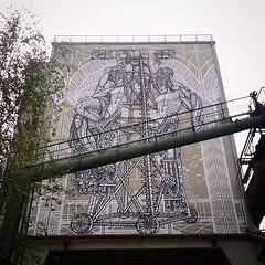 #backontheroad, work at #voelklingerhuette by #MonkeyBird. . #völklingen #germany #streetart #graffiti #urbanart #graffitiart #urbanart_daily #graffitiart_daily #streetarteverywhere #streetart_daily #wallart #mural #ilovestreetart #igersstreetart #rsa_gr