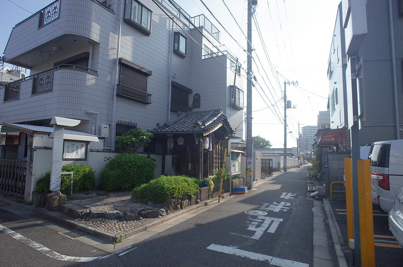 RICOH GRⅡ+ワイドコンバージョンレンズ21mm偽 東京いい道 志茂銀座 庚申堂