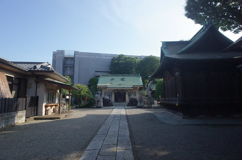 RICOH GRⅡ+ワイドコンバージョンレンズ21mm偽 東京いい道 志茂銀座 志茂熊野神社境内