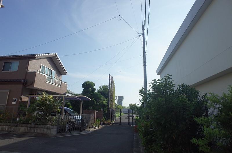 RICOH GRⅡ+ワイドコンバージョンレンズ21mm偽 東京いい道 志茂銀座 志茂熊野神社 見える青水門