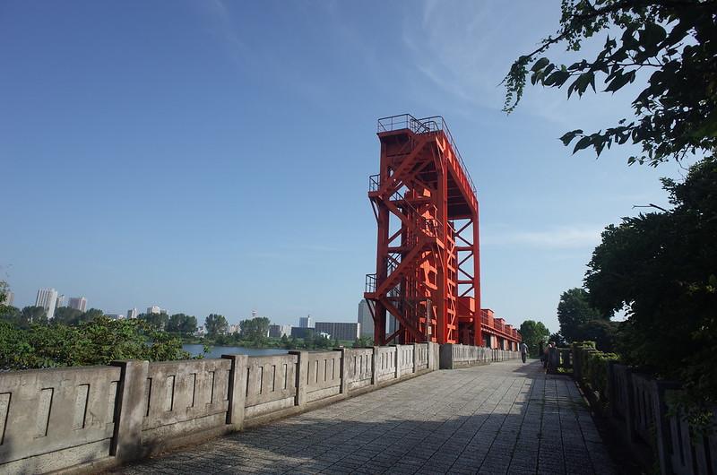RICOH GRⅡ+ワイドコンバージョンレンズ21mm偽 東京いい道 志茂銀座 荒川旧岩淵水門