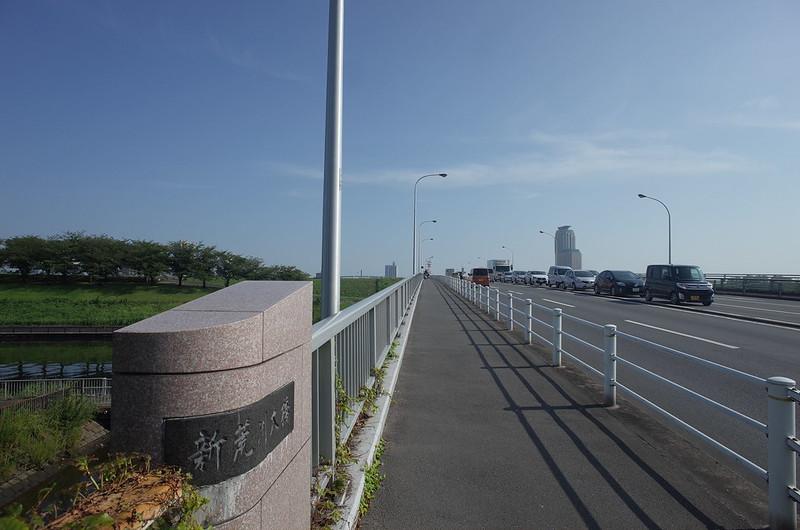RICOH GRⅡ+ワイドコンバージョンレンズ21mm偽 東京いい道 志茂銀座 新荒川大橋