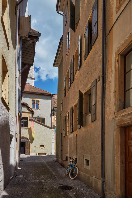 La Neuveville – Old town alley