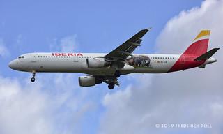 Iberia A321 ~ EC-IJN