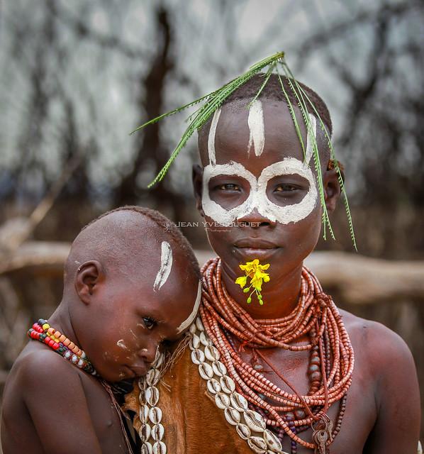 Karo tribe, Omo Valley, Ethiopia -Tribu Karo, Vallée de l'Omo, Ethiopie