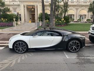 Such a sick looking car ... Bugatti Chiron 🐼
