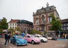 VW Kevers en het oude gemeentehuis - Oldtimer meeting Wetteren 2019 2019-08-16
