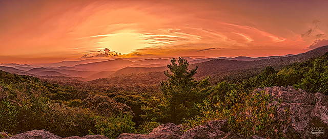 The Point Overlook, Shenandoah National Park,VA