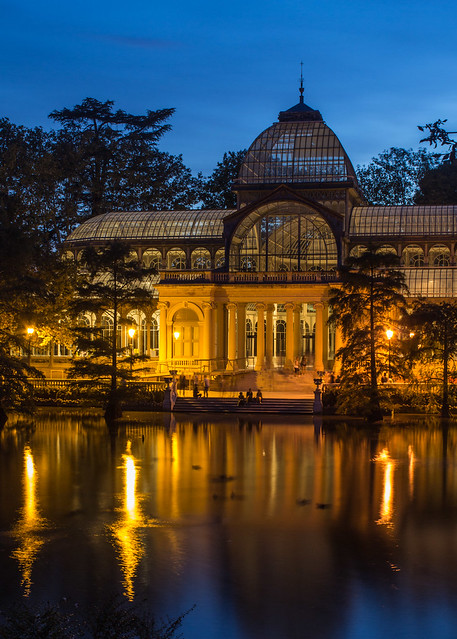 Palacio de Cristal at night