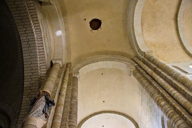 Dans l'abbaye