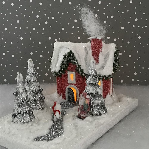 MINI Santa house Red and silver