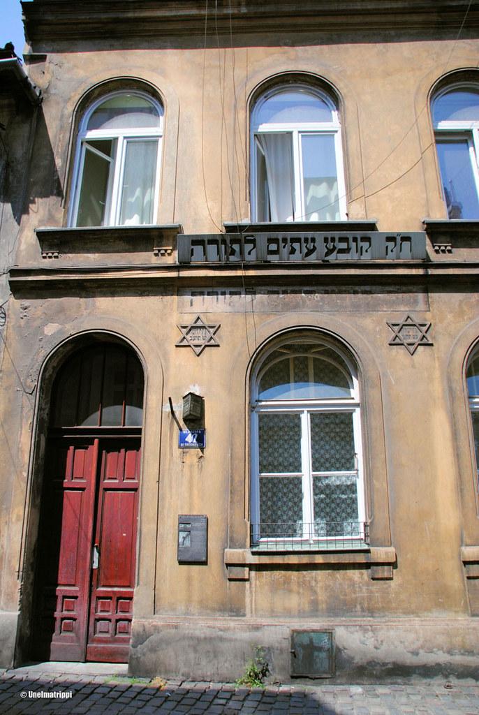 Juutalaishistoria näkyy Kazimierzin rakennuksissa