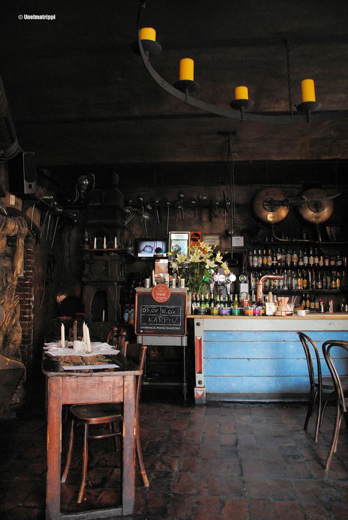 Alchemia-baarin sisustus on boheemi