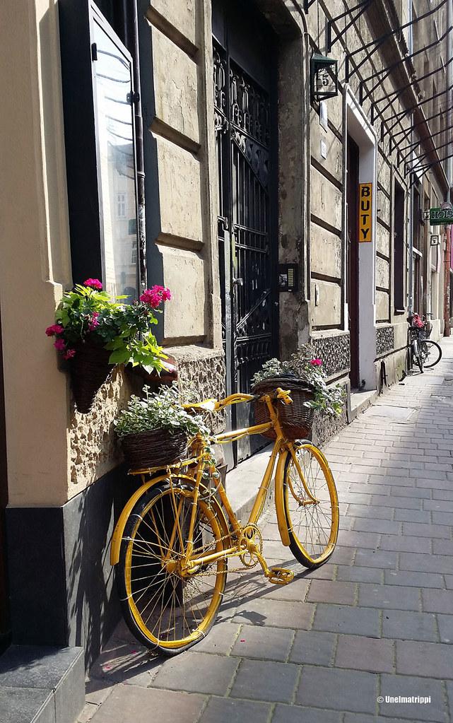 Polkupyörä Kazimierzin kaduilla