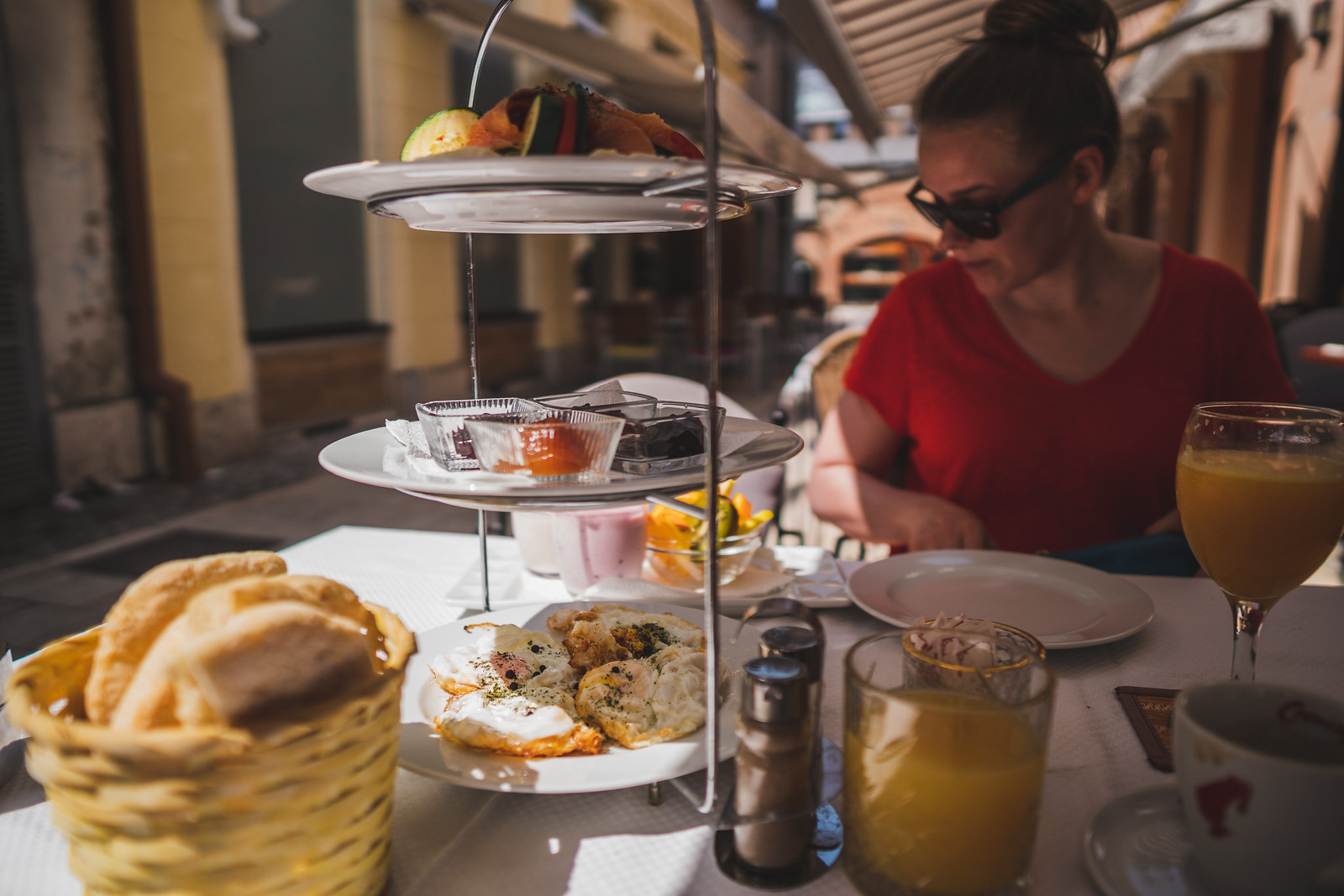 Tuhti aamiainen vanhassa kaupungissa