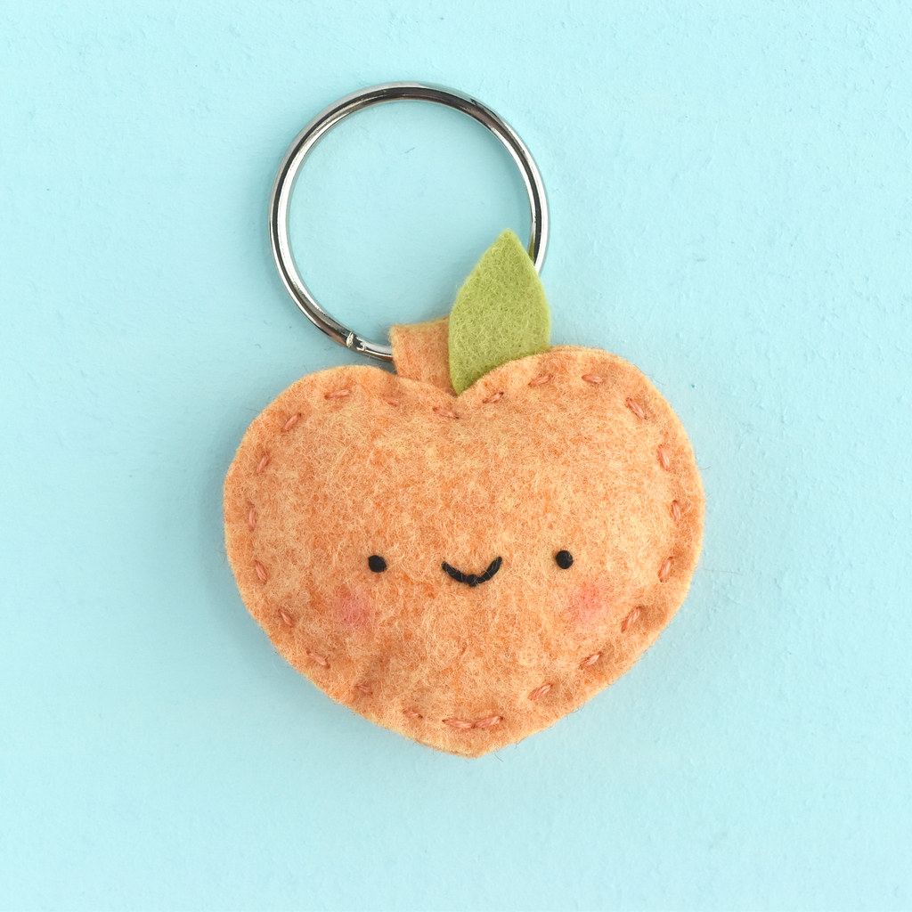 Felt Kawaii Peach Key Ring