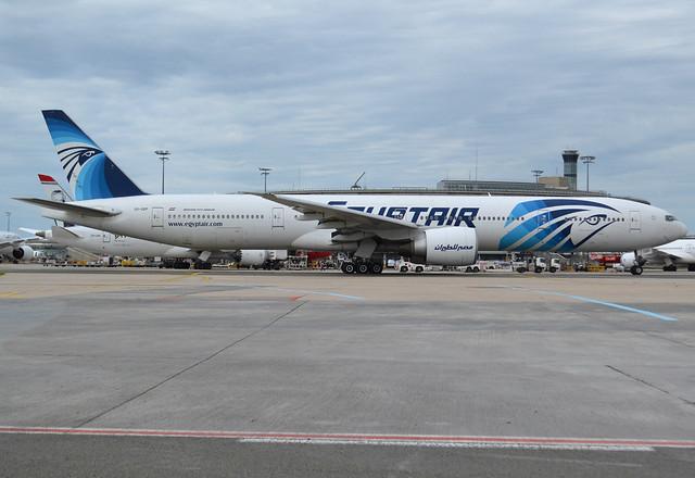 SU-GDP Boeing 777-36N(ER) 38290 / 918 MS-MSR-Egyptair CDG/LFPG 2019-06-09 taxiway Alpha-Loop.