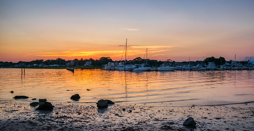 clinton clintontownbeach connecticut hdr longislandsound nikon nikond5300 outdoor boat boats clouds evening geotagged harbor mud reflection reflections rock rocks sky sunset water