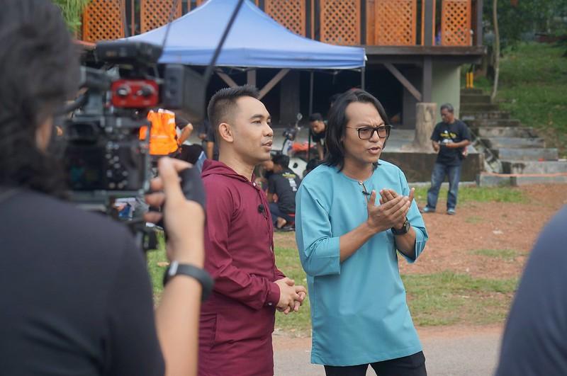 Anas Tahir Dan Hafiz Hamidun Di Lokasi Ibadah Korban Dilakukan Penduduk Kampung Di Melaka