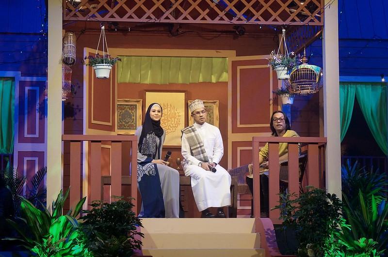 Anas Tahir Bersama-Sama Datin Fouziah Gous Dan Suami