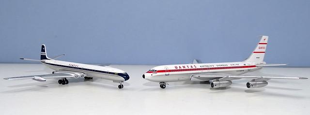 Qantas Comet IV vs Boeing 707-138B