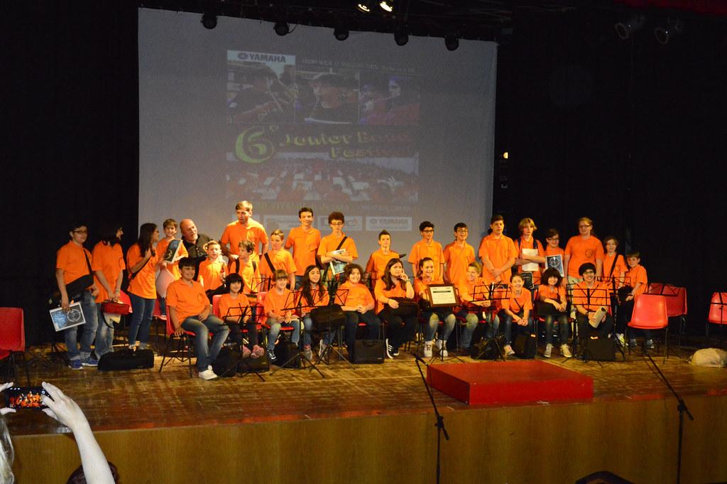una foto di gruppo della nostra orchestra sul palco dell OrchestranDo Festival 2016