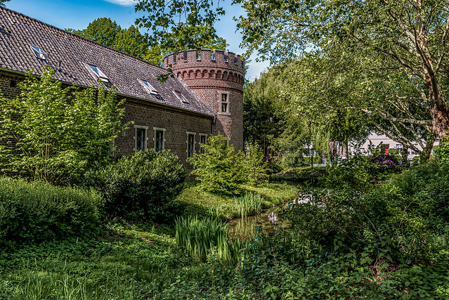 Cute Castle Neersen-1