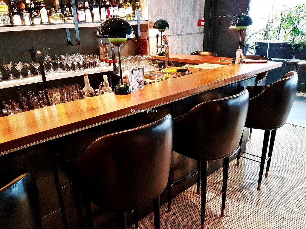Seating Bar Counter