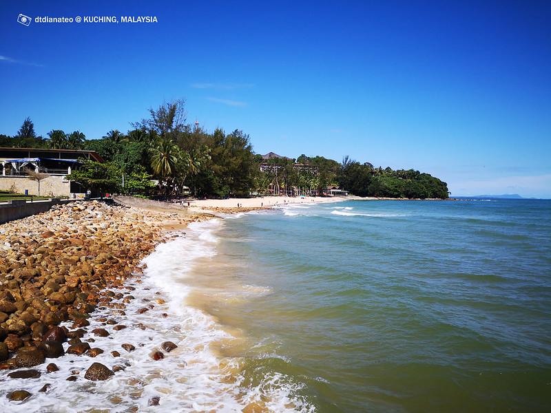 Kuching Damai Beach