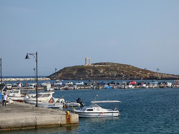 le port de Naxos de bon matin