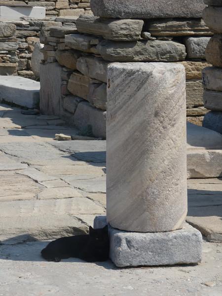 À l'ombre d'une colonne de Délos