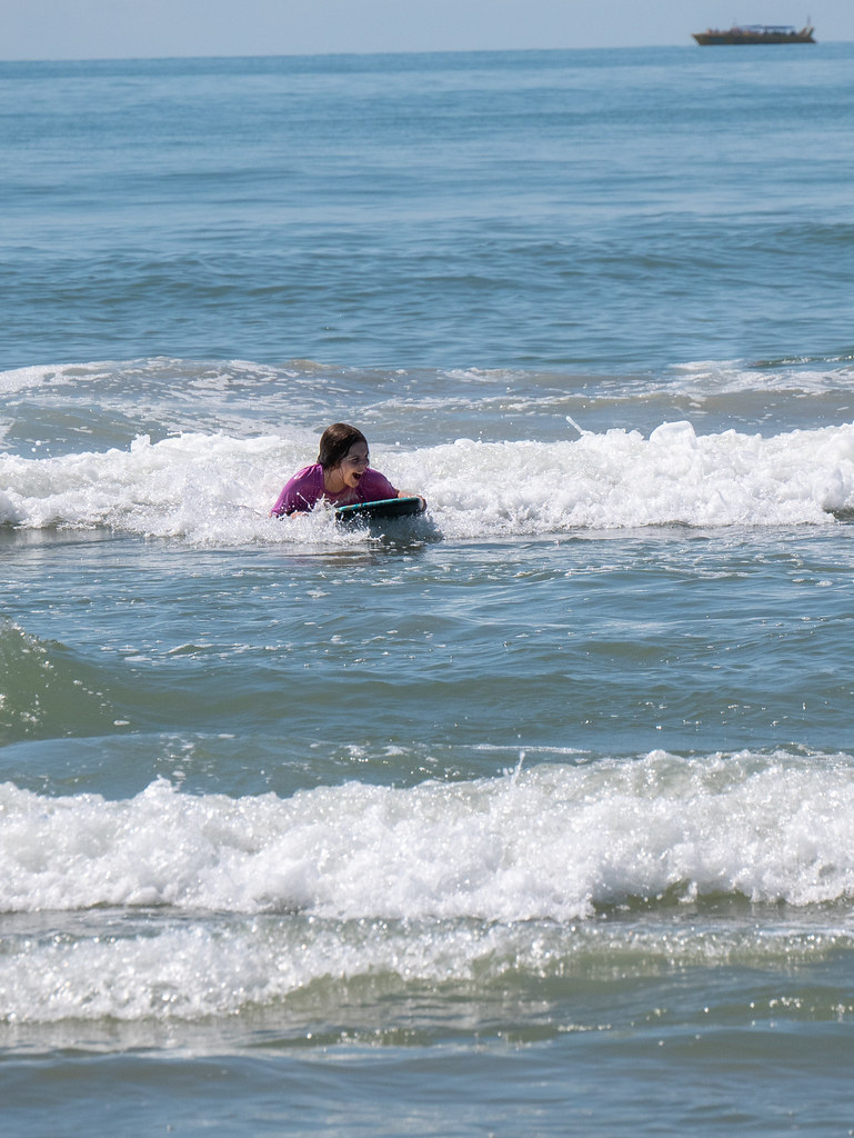 Molly boogie boarding